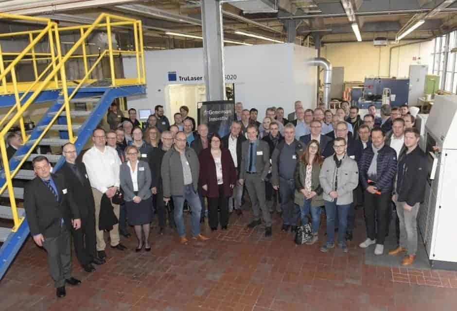"""Tauschten sich zum Thema """"Additive Fertigung/3D-Druck"""" bei KME in Osnabrück aus: Die Teilnehmer des IHK-Technologietreiberforums."""